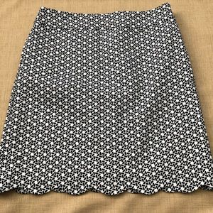 Talbots B&W Geometric Scalloped Hem Short Skirt